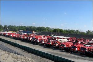 Строевой смотр пожарной техники в Ростове