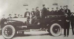 Одна из первых моторизированных пожарных в Далласе, штат Техас, около 1915