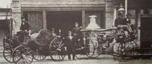 Смотанный пожарный шланг и паровой насос, Восточный Даллас около 1886