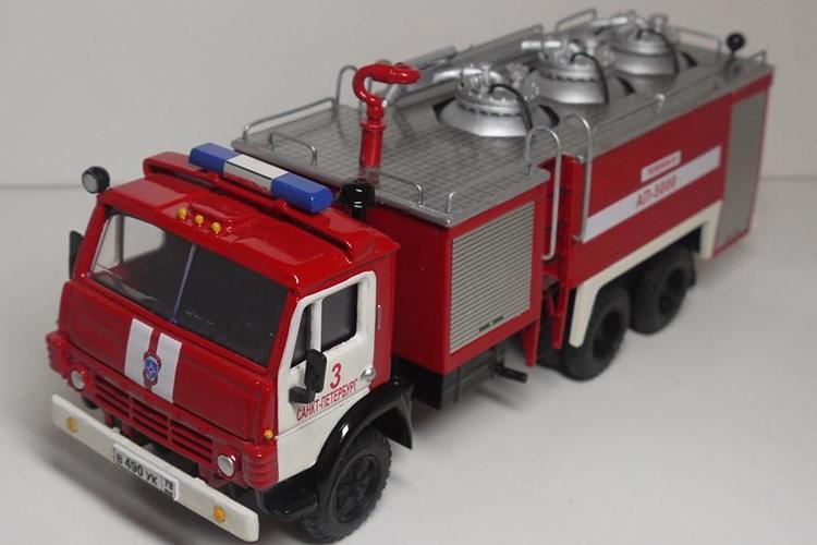 Пожарный автомобиль порошкового тушения