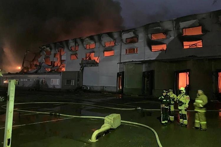Тушение пожара на складе: правила