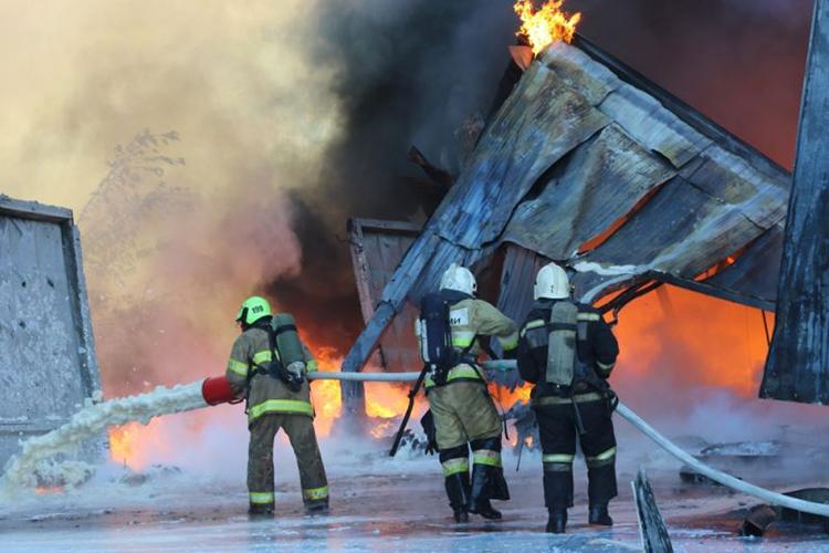 Тушение пожаров на складах ядохимикатов