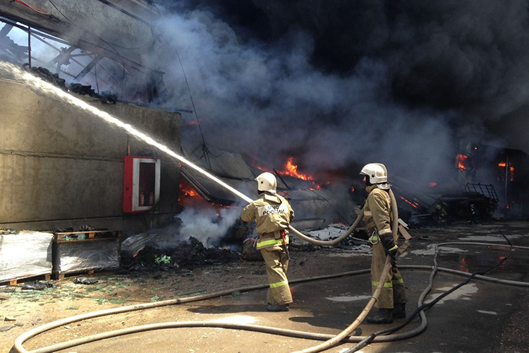Тушение пожара на складе ГСМ