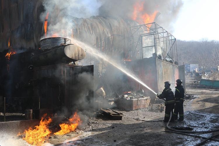 Пожары на складах твердых горючих материалов