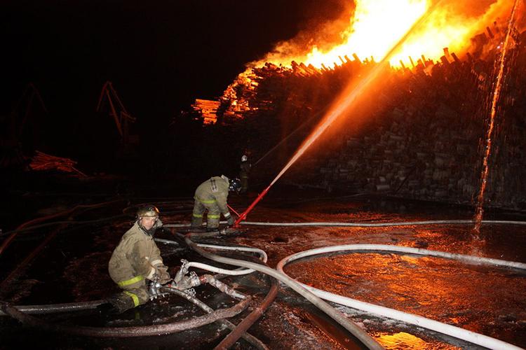 Особенности тушения пожара на складе лесоматериалов
