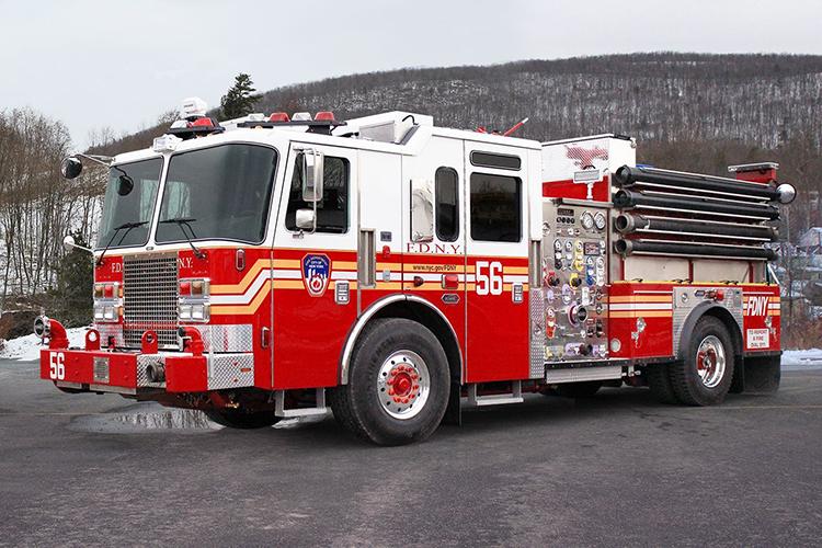 Американский пожарный автомобиль KME