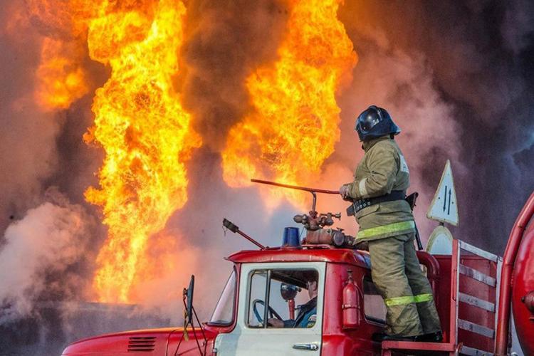 Выезд на пожарной автоцистерне на возгарание