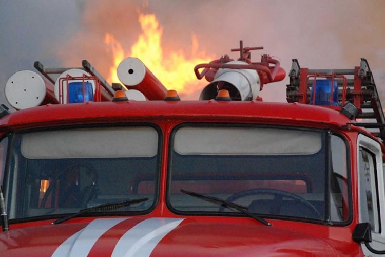 Пожарная машина на выезде