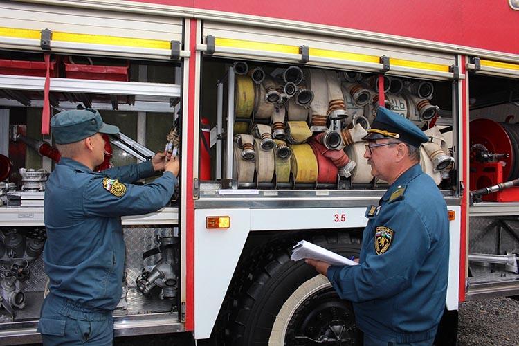 Передача пожарного автомобиля