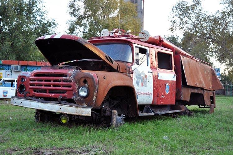 Списанный пожарный автомобиль