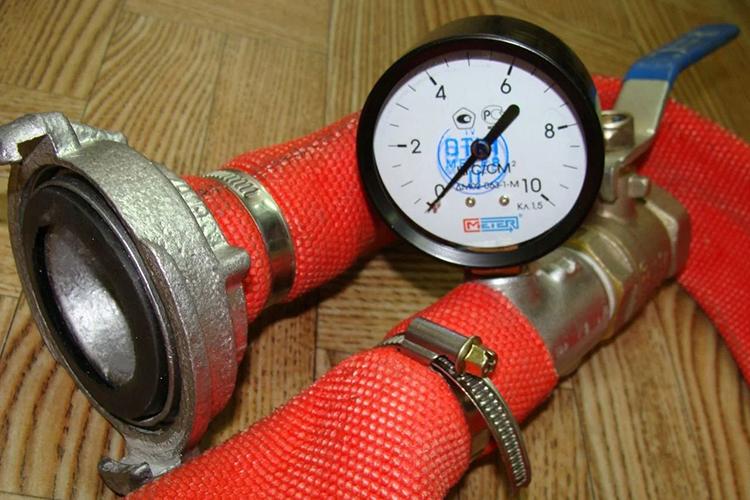 Контроль давления пожарного рукава