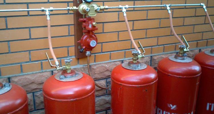 Тушение пожаров при наличии газовых баллонов