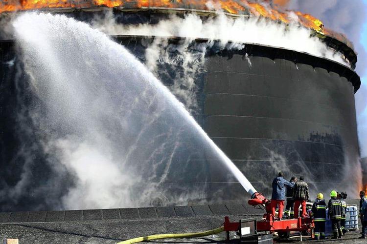 Способы тушения пожара нефти и нефтепродуктов