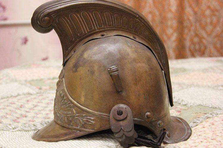 Первые европейские каски пожарных
