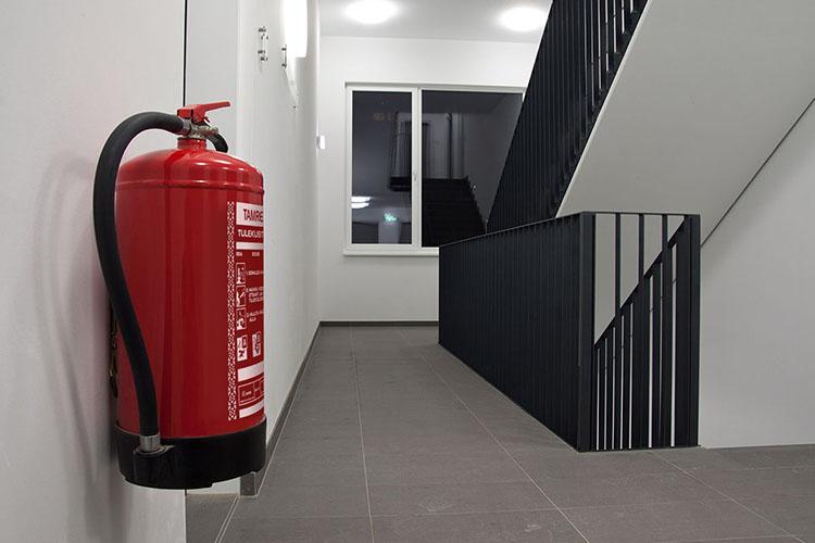 Огнетушитель в многоквартирном доме