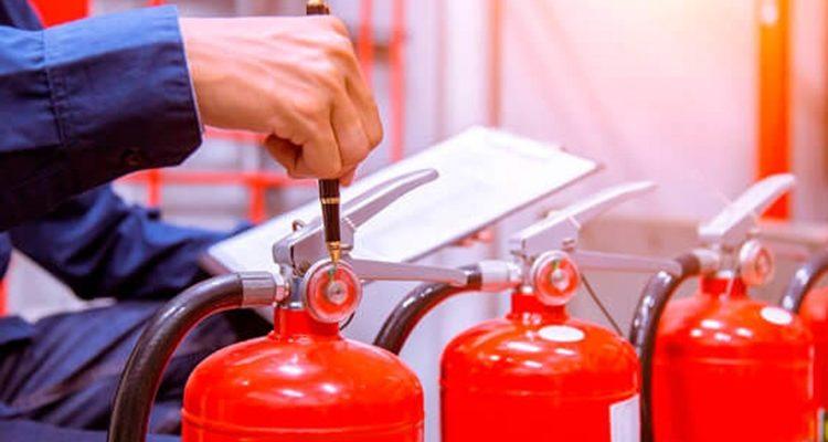 Срок перезарядки порошковых и углекислотных огнетушителей