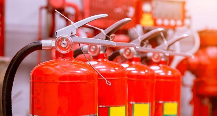 Оснащение помещений огнетушителями