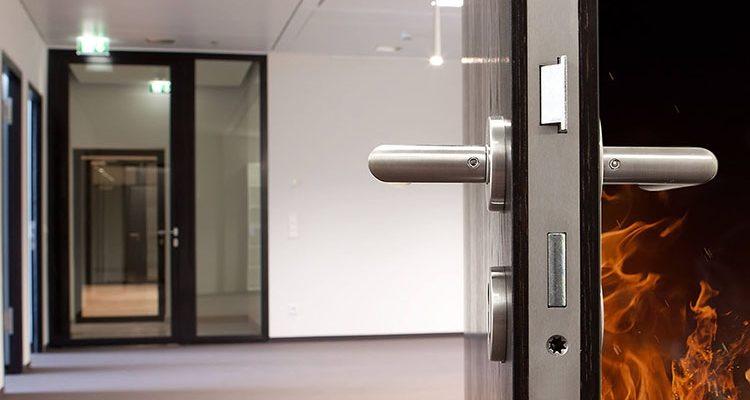 Пожарные требования к входным дверям