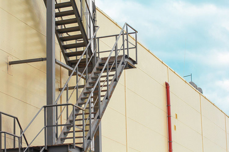 Виды наружных лестниц 3 типа